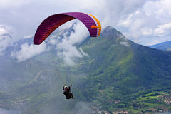 Paraglider over Lake Annecy Royalty Free Stock Photos