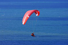 Paraglider over the sea Royalty Free Stock Images