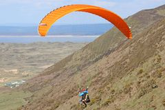 Paraglider på Rhossili Royaltyfri Bild