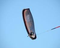 Paraglider som underifrån ses Royaltyfri Foto
