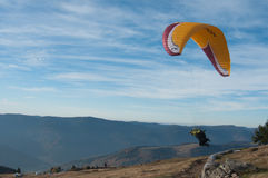 Paraglider takes off Royalty Free Stock Images