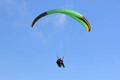 Paragliderflyg Royaltyfri Fotografi
