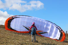 Paragliderlansering Royaltyfri Foto