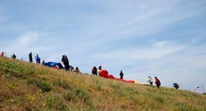 Paragliders i Prilep, Makedonien Fotografering för Bildbyråer