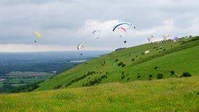 Paragliders nas penas sul Fotos de Stock