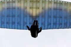 Paragliders przy zmierzchem Obrazy Stock