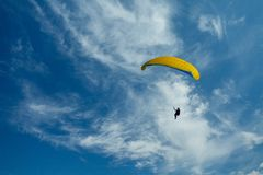 Paragliders in the sky Royalty Free Stock Images