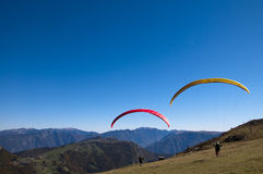Paragliders at the top of Monte Baldo Royalty Free Stock Photography