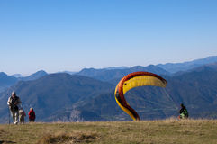 Paragliders at the top of Monte Baldo Royalty Free Stock Images