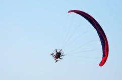 Paraglidersshow på Radom Airshow, Polen Fotografering för Bildbyråer