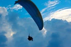 Paragliding fotografía de archivo libre de regalías