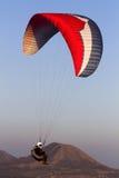 paragliding Imagenes de archivo