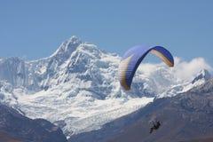 paragliding Lizenzfreie Stockfotos