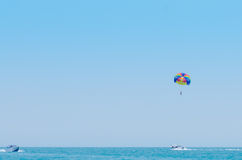 Paragliding in the clear sky Royalty Free Stock Photography