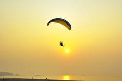 Paragliding de la potencia Foto de archivo libre de regalías