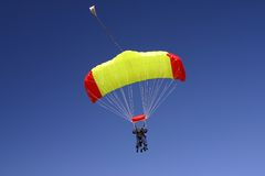 Paragliding duo Royalty Free Stock Images