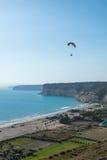 Paragliding en Chipre Imagenes de archivo