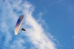 Paragliding en el cielo Fotografía de archivo