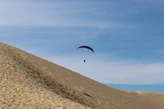 Paragliding i Danmark Royaltyfri Fotografi