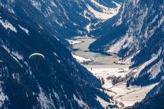 Paragliding in the mountains Royalty Free Stock Images