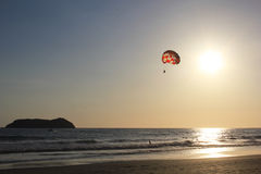 Paragliding na morzu Zdjęcie Royalty Free