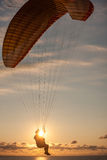 Paragliding over the sea Royalty Free Stock Images