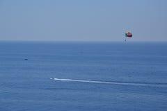 Paragliding w Costa Brava, Hiszpania Zdjęcia Royalty Free