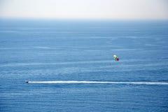 Paragliding w Costa Brava, Hiszpania Fotografia Stock