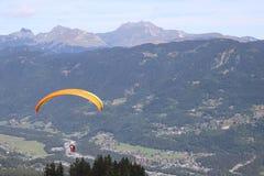 Paragliding w Samoens, Francuscy Alps zdjęcie royalty free