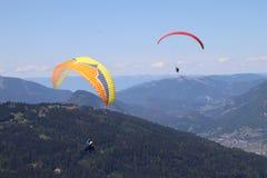 Paragliding w Samoens, Francuscy Alps zdjęcie stock