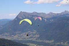 Paragliding w Samoens, Francuscy Alps zdjęcia stock