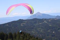 Paragliding w Samoens, Francuscy Alps zdjęcia royalty free