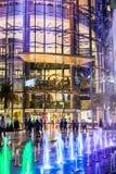 Paragon Siam Bangkok centrum handlowe w nocy scenie na Kwietniu 24 2017 Obraz Stock