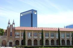 Paragone dell'architettura vecchia e nuova Fotografia Stock Libera da Diritti