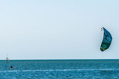Paragraaf-surfer in de pamlico correcte baai Royalty-vrije Stock Foto
