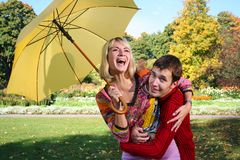 Paraguas amarillo Fotos de archivo libres de regalías