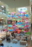 Paraguas de la zona de restaurantes Fotografía de archivo