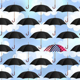 Paraguas en fondo de la falta de definición Imagen de archivo libre de regalías