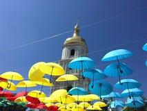 Paraguas en la ciudad Imagen de archivo libre de regalías