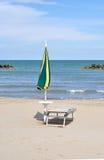 Paraguas en la playa Fotografía de archivo libre de regalías