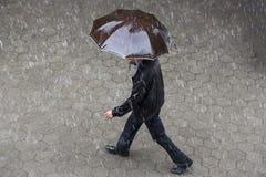 Paraguas lluvioso del tiempo imágenes de archivo libres de regalías