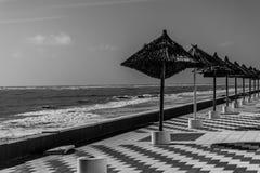 Paraguas por la playa foto de archivo libre de regalías