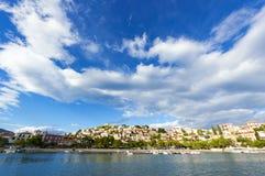 Paralio Astros på Peloponnese, Grekland arkivfoto