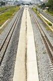 Parallel Spoorweg en Platform Royalty-vrije Stock Fotografie