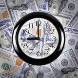 parallellla affärsidédollar överhopar tid för timmepengarpapper äganderätt för home tangent för affärsidé som guld- ner skyen til Royaltyfria Bilder