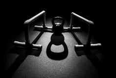 Parallettes e bollitore Bell Fotografia Stock
