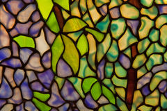 Paralumi di vetro macchiato con il motivo della pianta Fotografia Stock