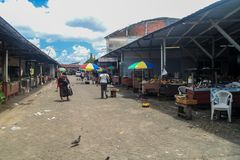 PARAMARIBO, SURINAME - 6 DE AGOSTO DE 2015: Mercado central em Paramaribo, capital do Suriname foto de stock