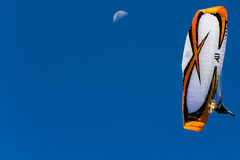 Paramotor -月亮 库存图片