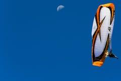 Paramotor - måne Fotografering för Bildbyråer